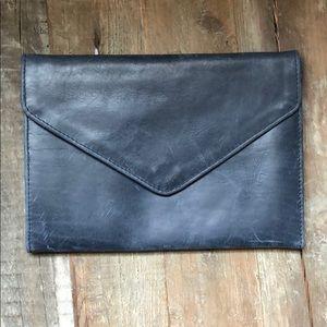 Handbags - Women's Clutch